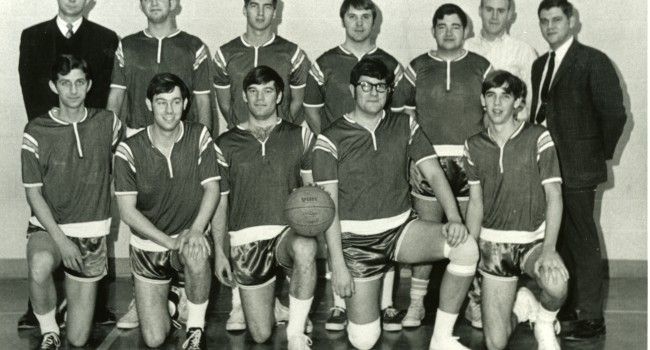 The 1971-72 ISUE basktball team, Joergens is in the first row, second from the right.
